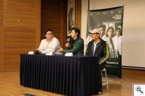 《生死接線員》特映會後,左起製作人許家豪、演曾少宗、導演王傳宗,與現場民眾互動。